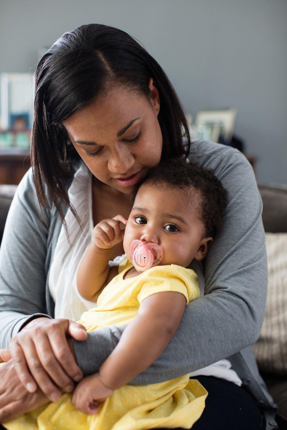 Ty ngậm thoáng khí cho bé Tommee Tippee AIR 0-6 tháng (vỉ 2 cái) - Xanh
