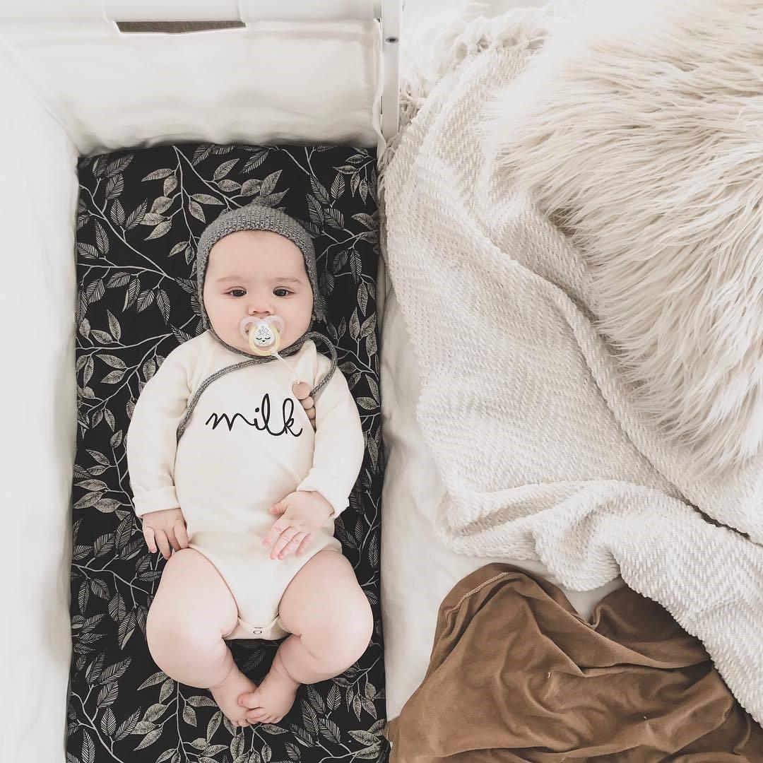 Ty ngậm dạ quang cho bé Tommee Tippee Night Time 0-6 tháng (vỉ 2 cái) - Vàng/Hồng