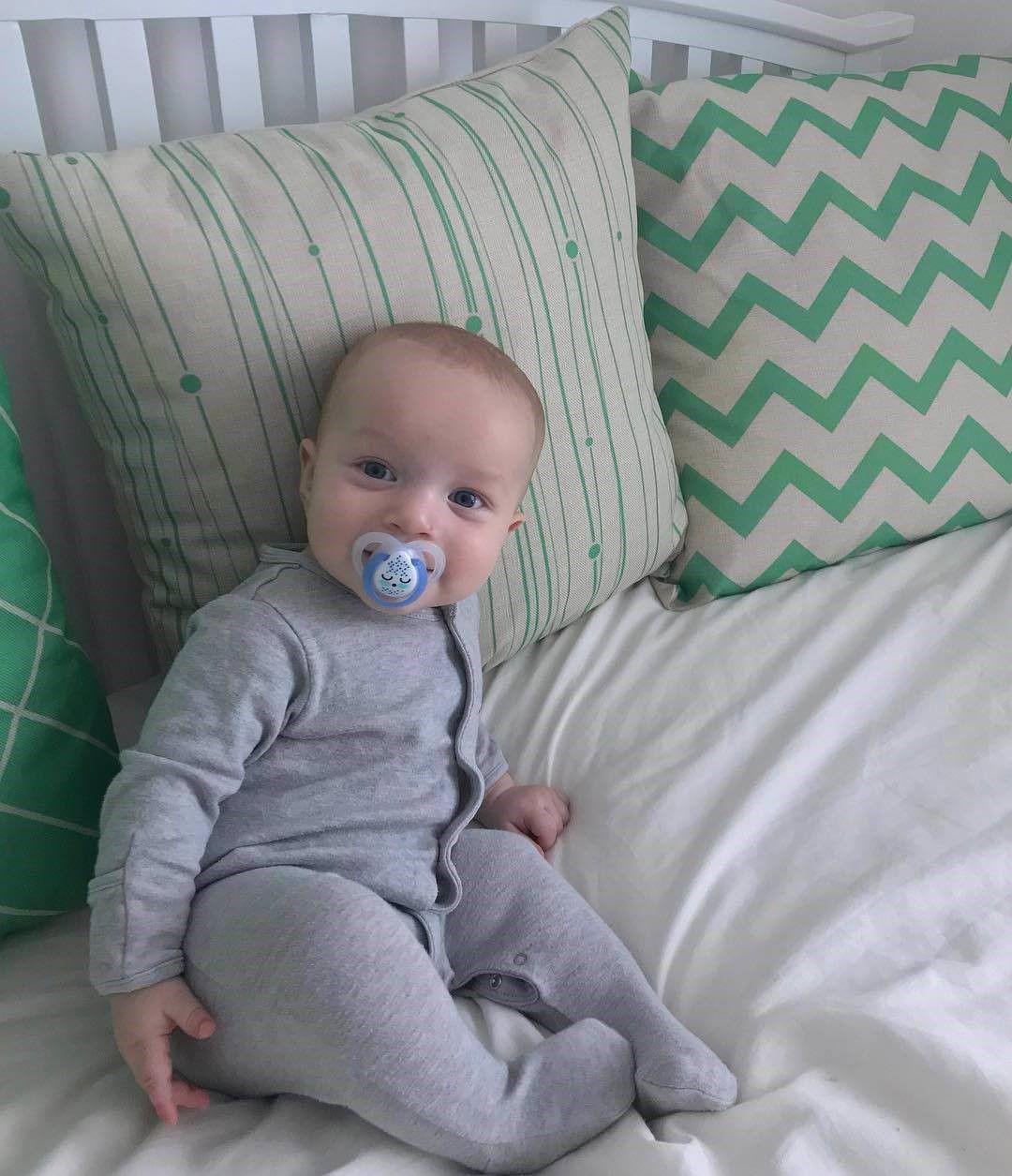 Ty ngậm dạ quang cho bé Tommee Tippee Night Time 0-6 tháng (vỉ 2 cái) - Xanh