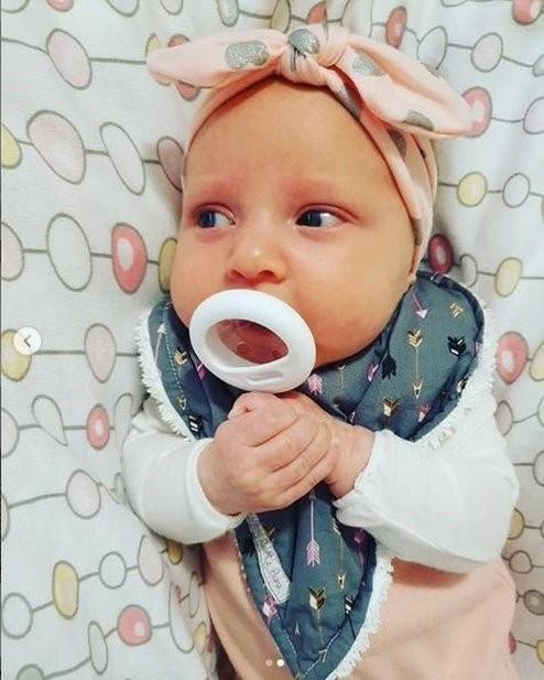 Ty ngậm mô phỏng ty mẹ Tommee Tippee cho bé 6-18 tháng (vỉ 1 cái)