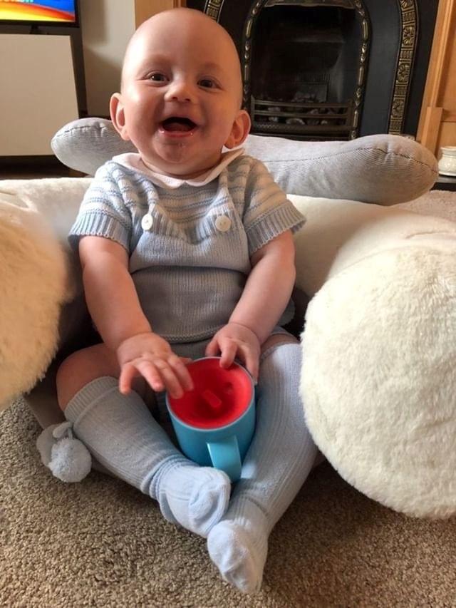 Ly tập uống nước chống đổ cho bé Tommee Tippee 360 Deco Trainer 200ml từ 6 tháng – Tím